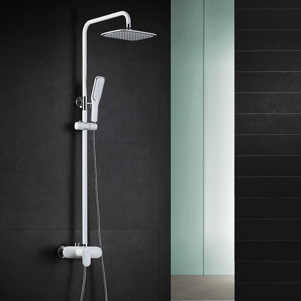colonne de douche italienne pour salle de bains avec bonne. Black Bedroom Furniture Sets. Home Design Ideas